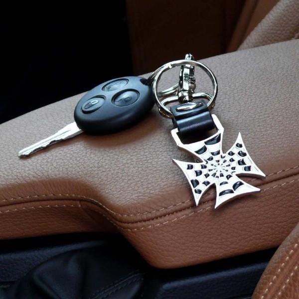 Metall Schlüsselanhänger Eisernes Kreuz mit Spinnennetz Aufdruck und Flaschenöffner