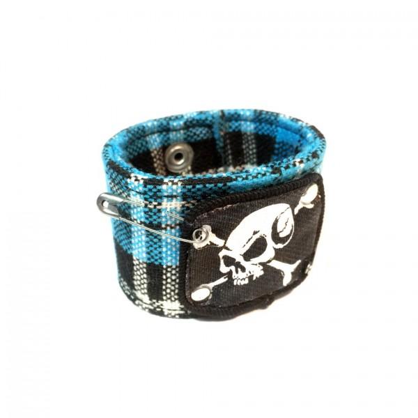 Kariertes Stoff Armband mit Piraten Patch