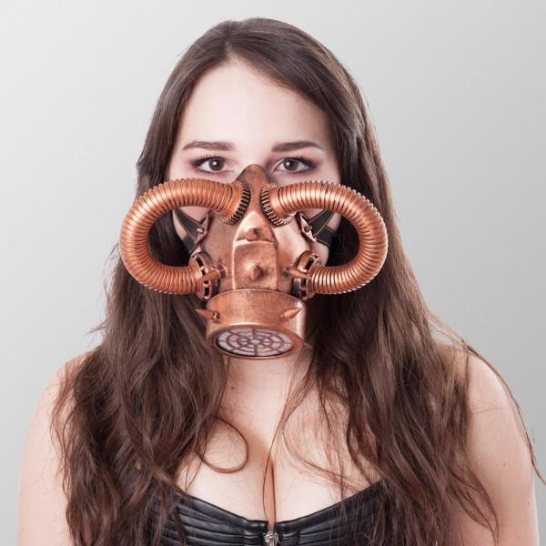Steampunk Gasmaske mit Röhren, Spikes und eines Luftventil Bronze Gasmaske Kupfer