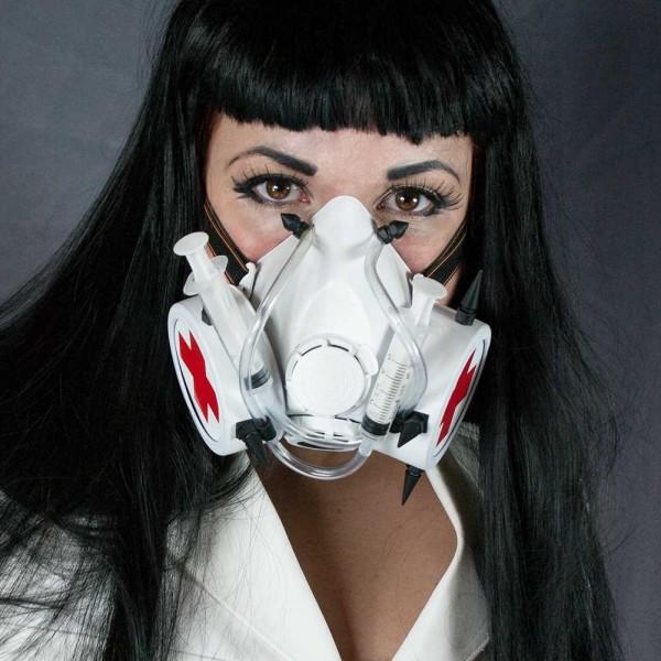 Steampunk Cyberpunk Krankenschwester Maske mit Röhren Spikes und einem Doppel Luftventil in Weiß Gas