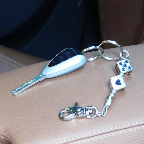Schlüsselanhänger silberfarbene Würfel mit Schwarzen Herzen
