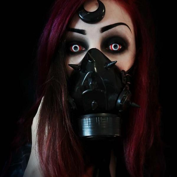 Gasmaske mit UV Spikes und einem Filter