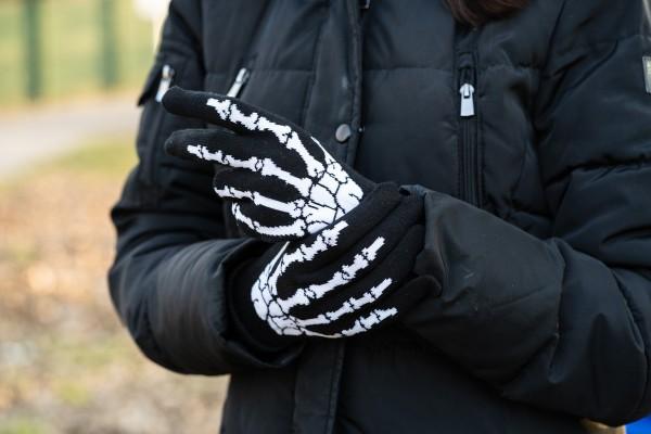 Gewebte Winter Handschuhe im Skelett Design