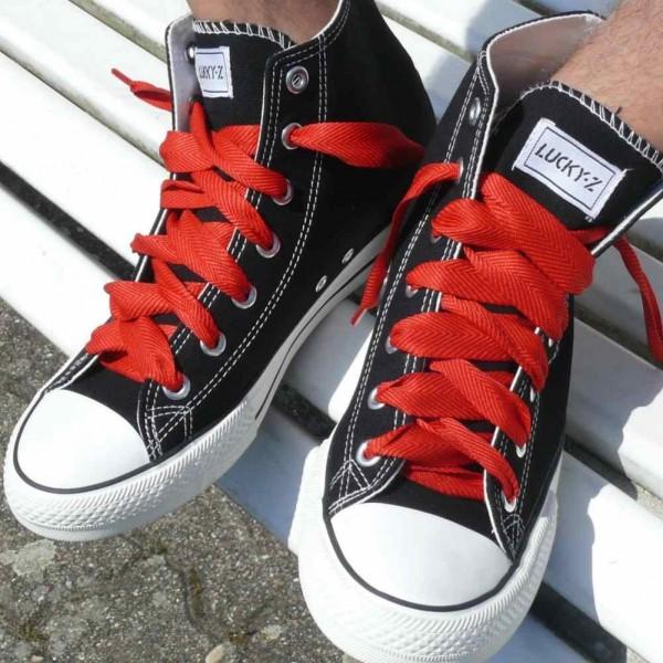 Rote Uni Farbene Schnürsenkel