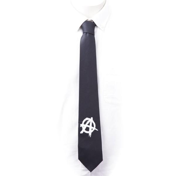 Krawatte in schwarz mit weißen Anarchy Zeichen Aufdruck