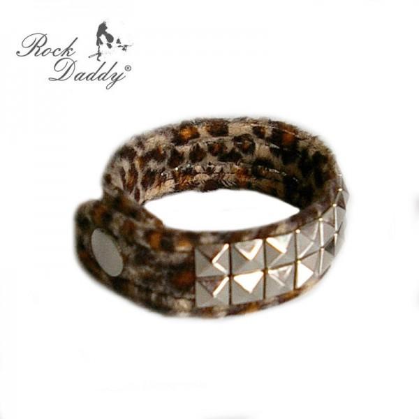 Braunes Fell Armband mit kleinen Pyramiden