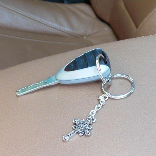 Gothisches Kreuz Schlüsselanhänger